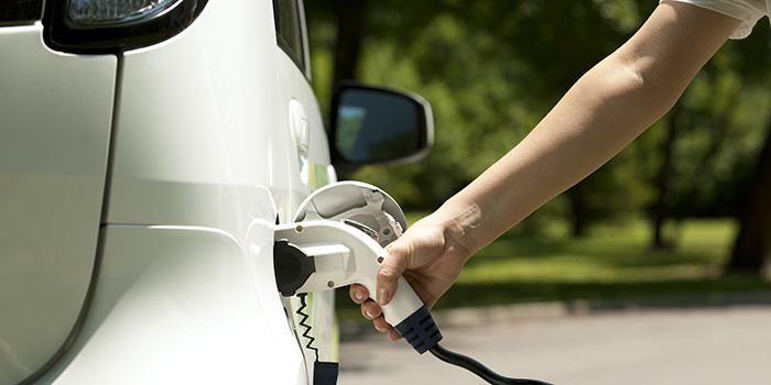 Ev charging (Photo: Colourbox)